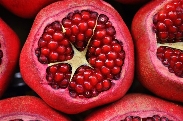 pomegranate-3383814_1280